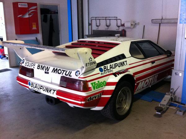 Une BMW unique rentre à l'atelier