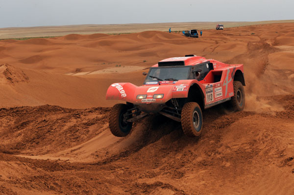 2 Buggys au Silk Way Rally